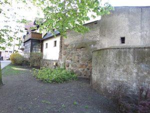 Pozostałości średniowiecznych murów miejskich w Tucholi