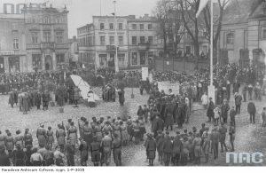 Obchody Święta Niepodległości w Tucholi - źródło: Narodowe Archiwum Cyfrowe