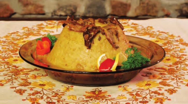 Babka ziemniaczana z sosem grzybowym