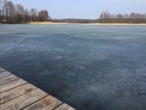 Jezioro zimową porą - fot. Adam Paluśkiewicz